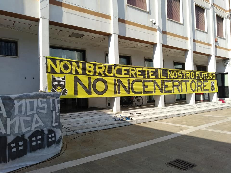 no_inceneritore_striscione