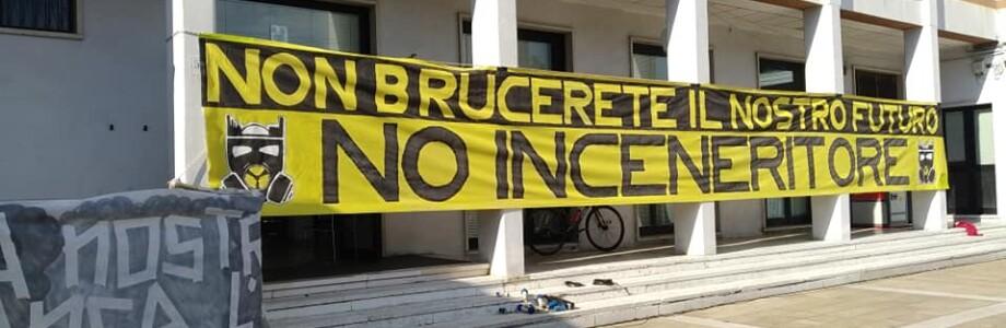 no_inceneritore_striscione